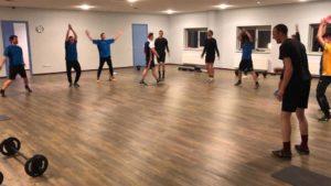 Bram beetsra geeft functionle training aan voetbal vereniging Waskemee