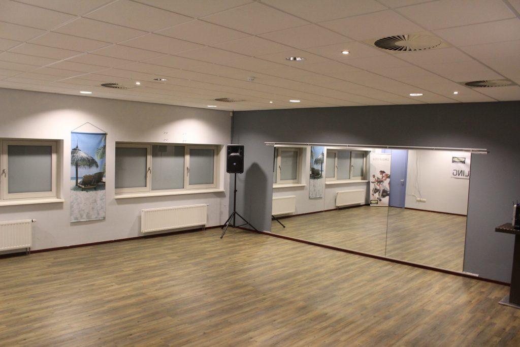 Kleine zaal 64 m² / Afmeting 8 x 8 meter Inclusief geluidsinstallatie